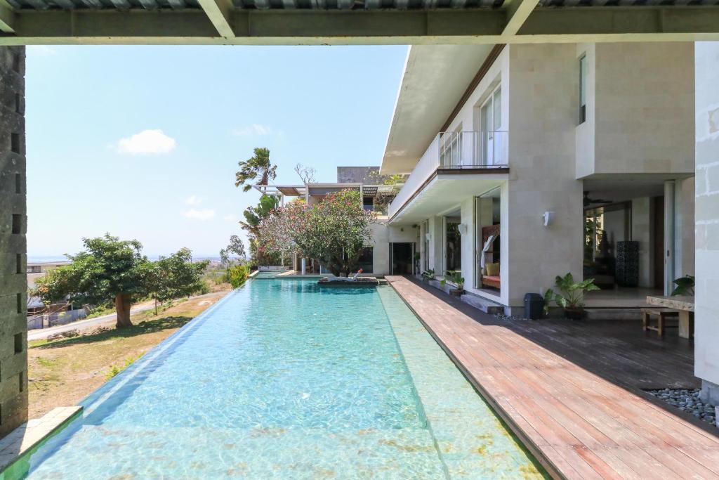 The swimming pool at or close to Tigadis Villa