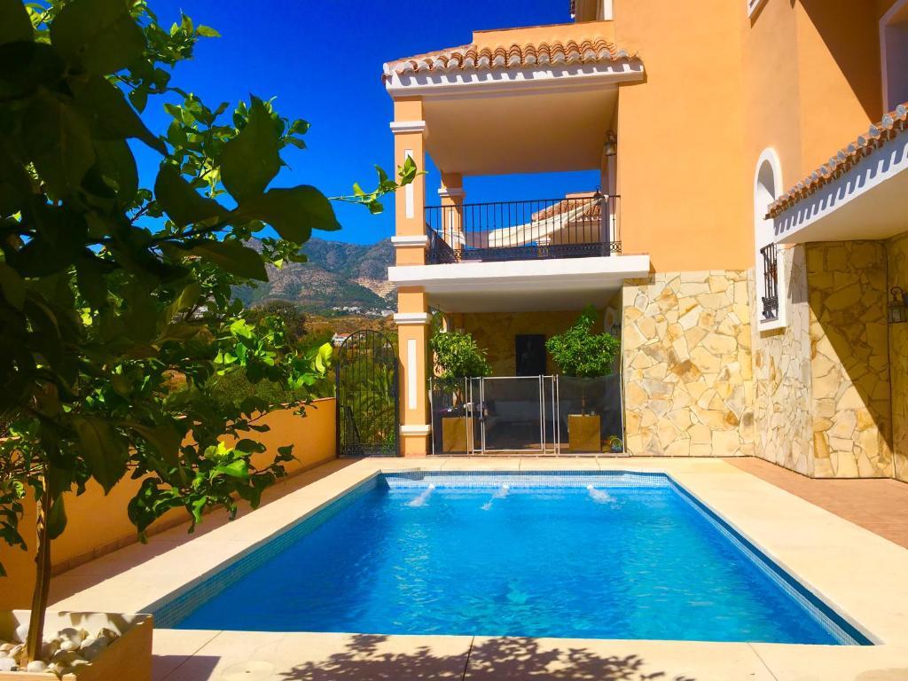 Villa Casa de fin de Semana (España Fuengirola) - Booking.com