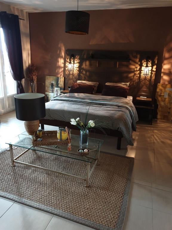 Chambre Et Salle De Bain Privees Dans Une Villa Type Orientale