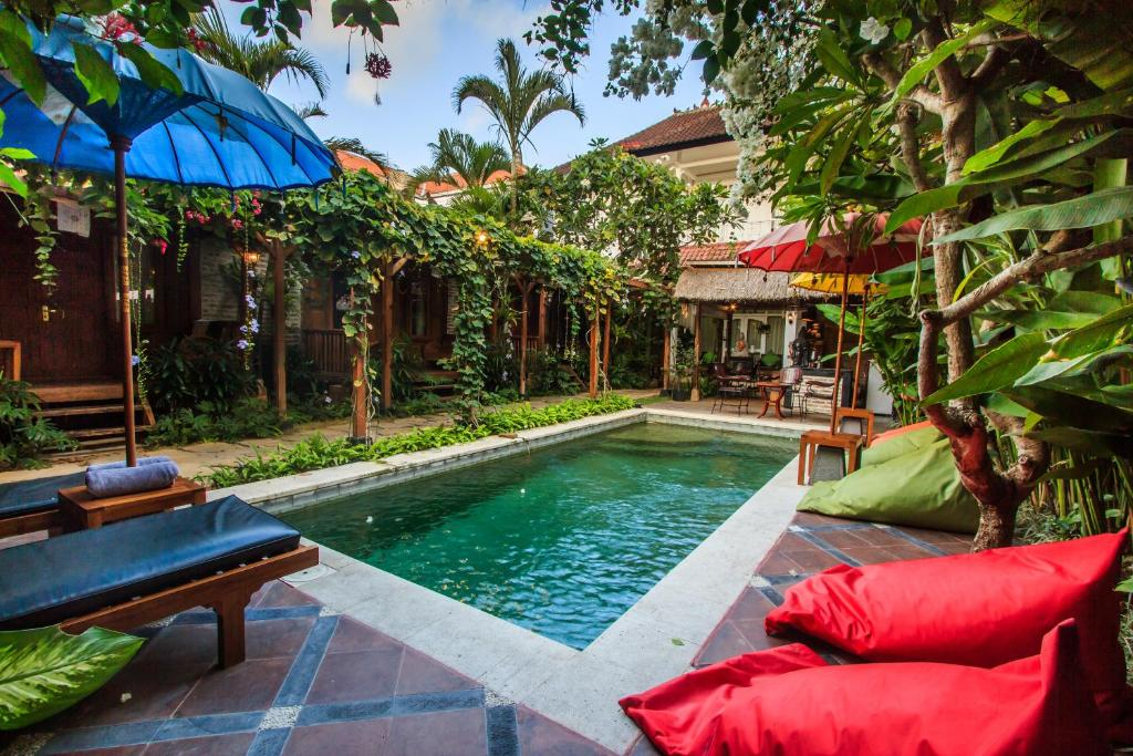 The swimming pool at or close to Bening Hut and Spa