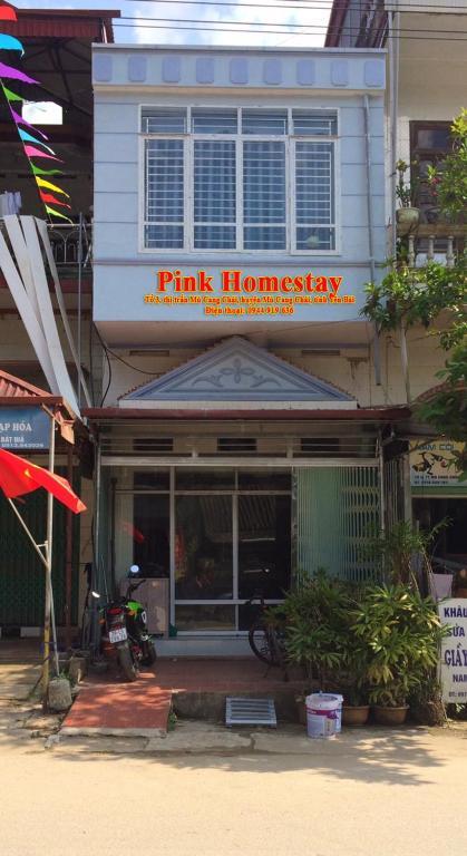 Pink Homestay