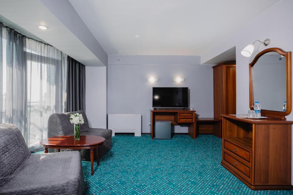 Гостиная зона в Marins Park Hotel Sochi