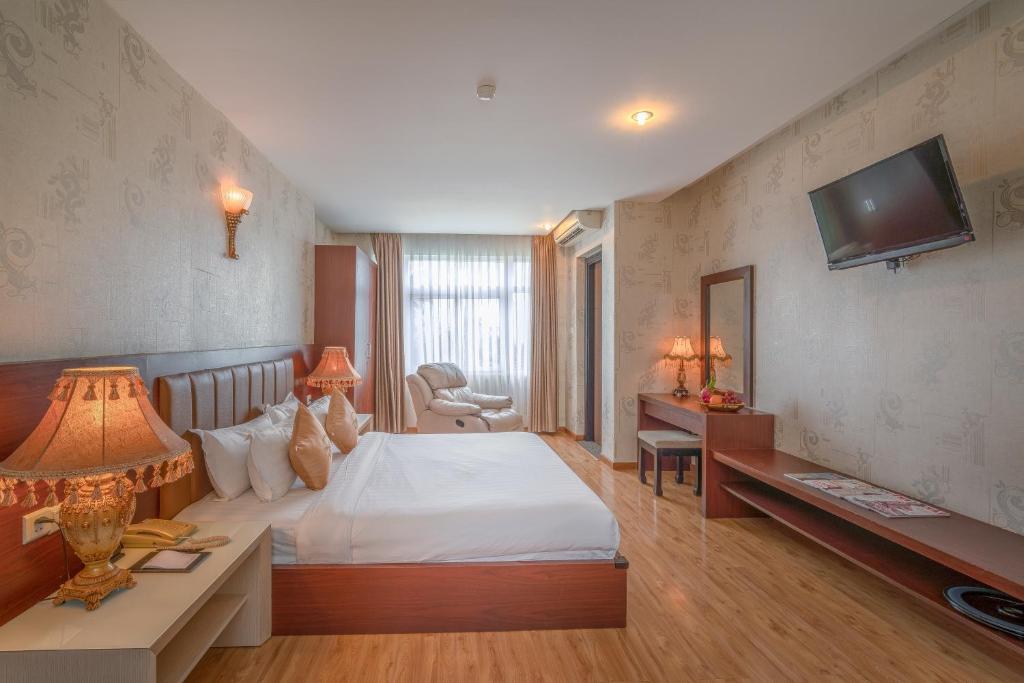 Phòng Premium Giường cỡ King có Ban công