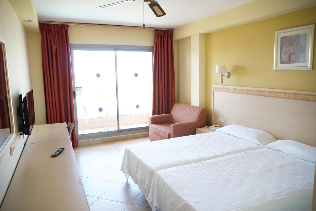 Hotel Ohtels Fenix Family (España Roquetas de Mar) - Booking.com
