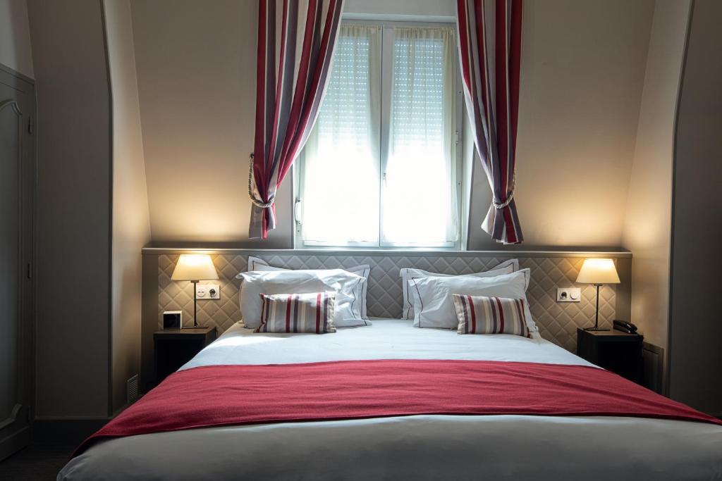 Cama ou camas em um quarto em Best Western Central Hotel