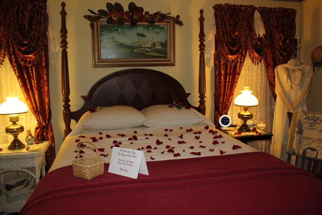 Red Bluff Cottage Bed & Breakfast