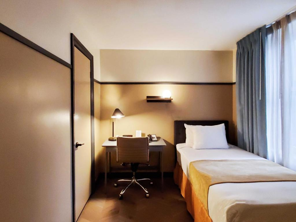Hotel Stanford Nyc New York Ny Booking Com