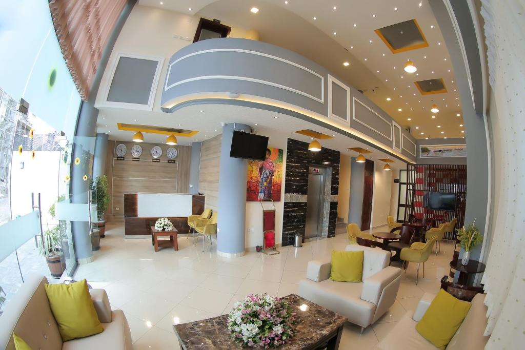 The lobby or reception area at Hotel Tirago