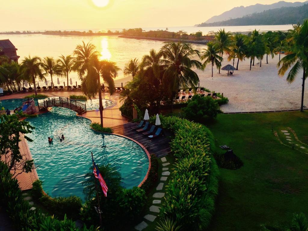 Kolam renang di atau dekat dengan Langkawi Lagoon Ocean Resort