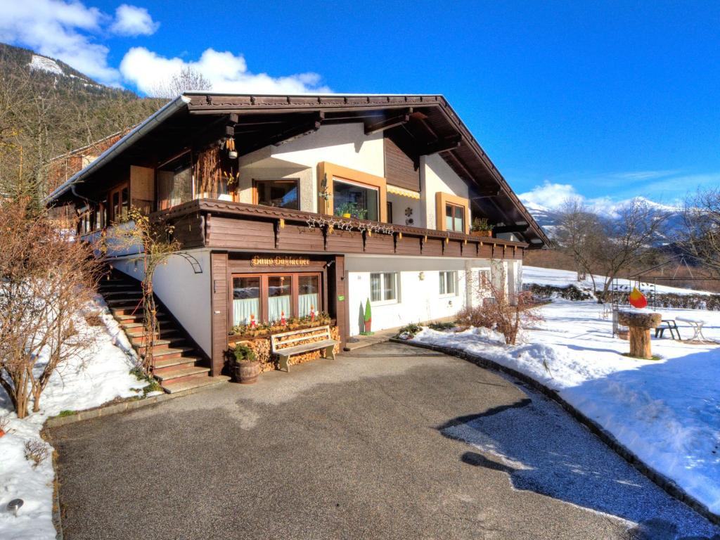 Haus Hasslacher durante l'inverno