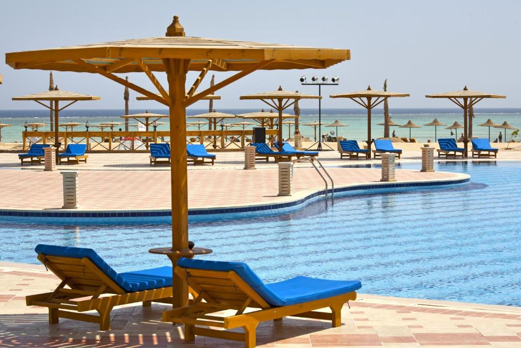 Het zwembad bij of vlak bij Nubian Inn Laguna Beach Resort