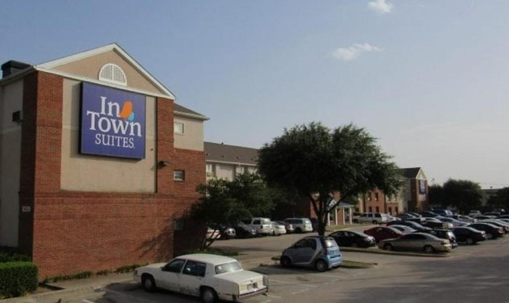 InTown Suites Extended Stay Dallas - Brookriver Drive.