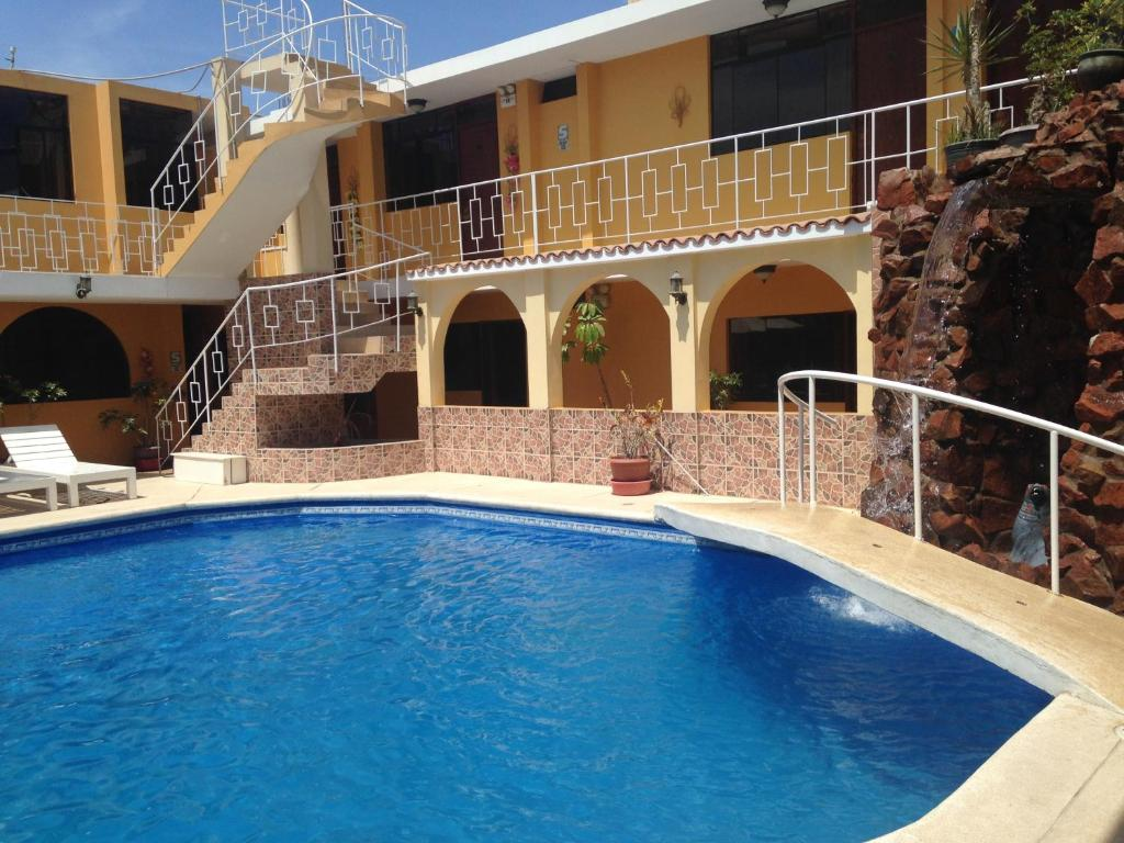 The swimming pool at or close to Hostal San Isidro