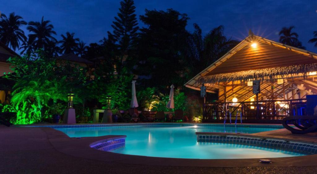 Piscine de l'établissement Baan Sukreep Resort ou située à proximité