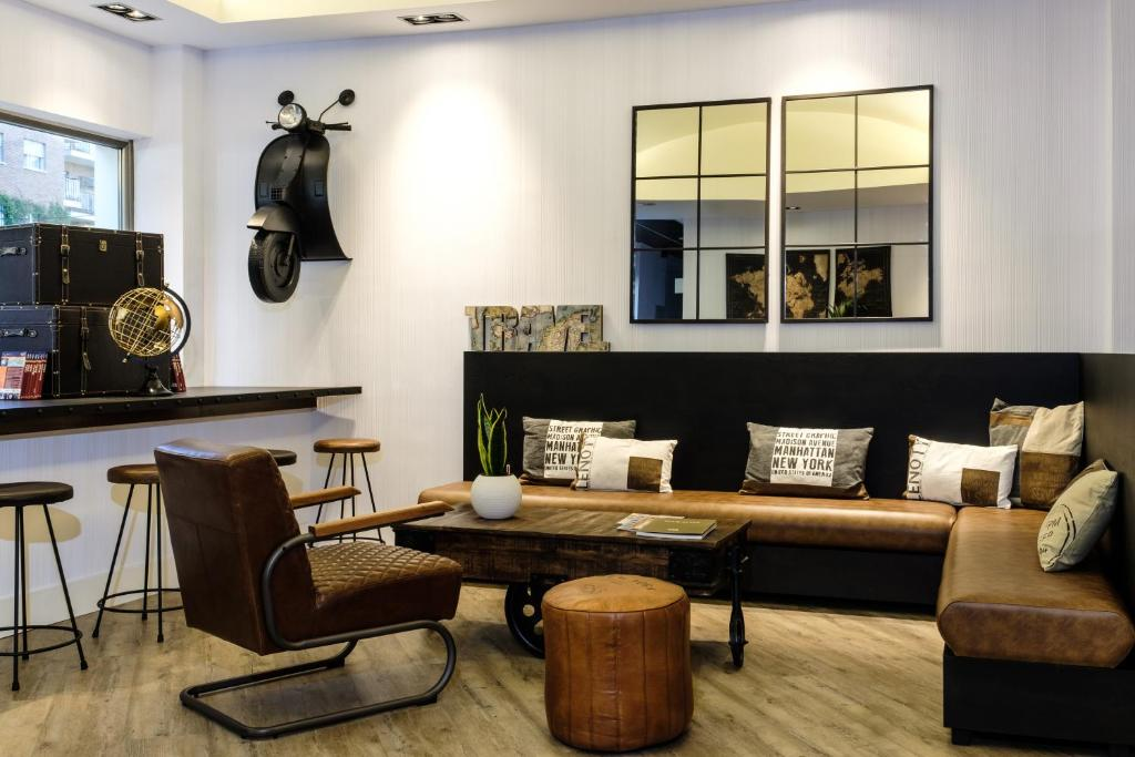 A seating area at Clement Barajas