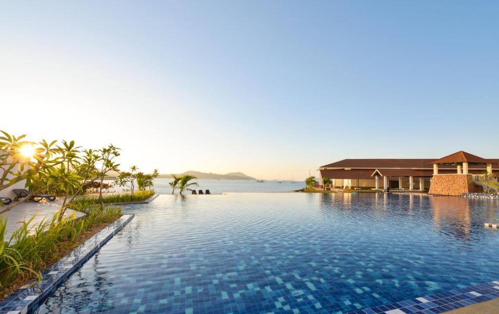Dayang Bay Resort, Kuah, Malaysia - Booking.com