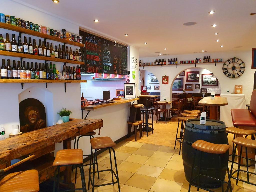 The lounge or bar area at BrauHotel Bonn