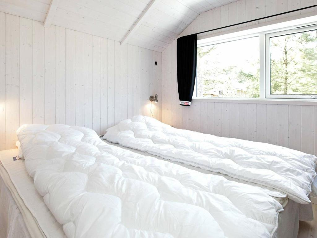 Five-Bedroom Holiday home in Blåvand 27
