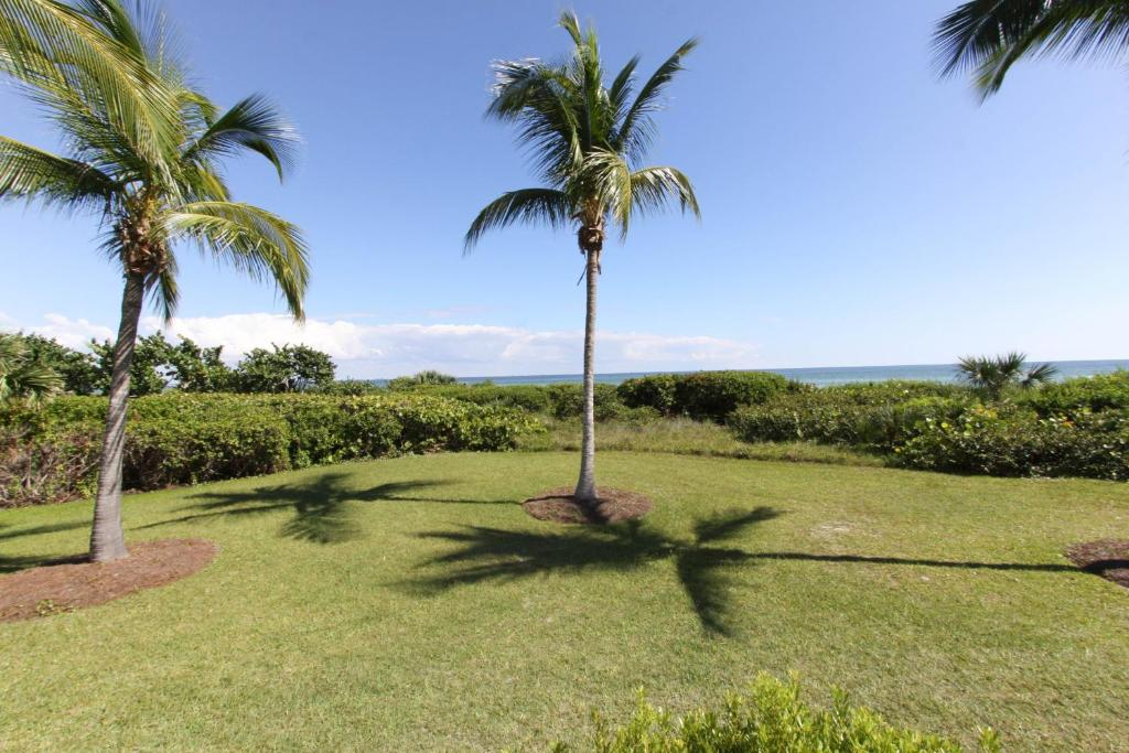 هتل Gulf Breeze Cottages