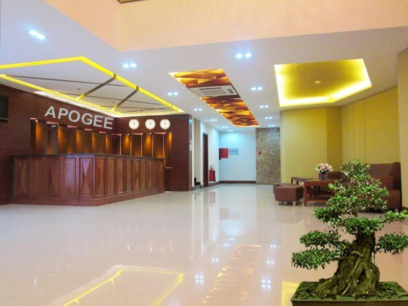 Apogee Hotel