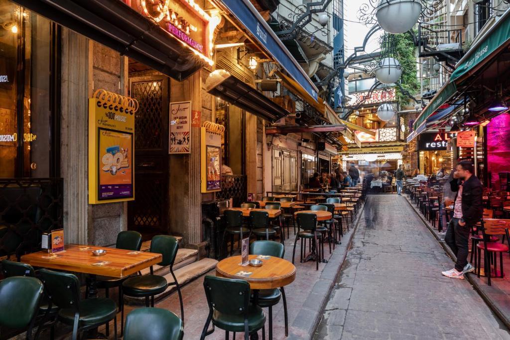 Ресторан / где поесть в Sanat Hostel Taksim