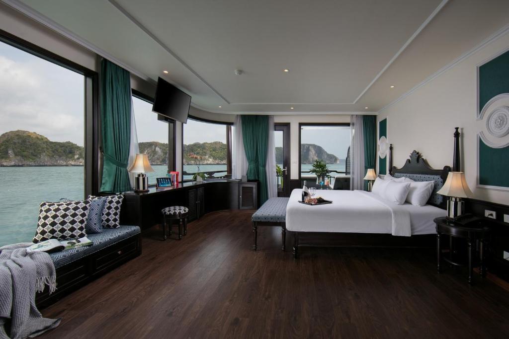 Suite Regal Panorama Có Sân Hiên - 2 Ngày 1 Đêm