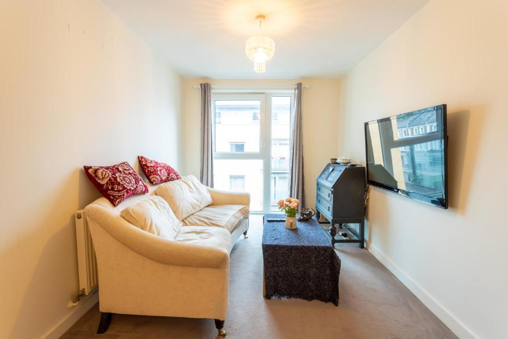 Amazing Modern 2 Bedroom Flat In Greenwich For 4 People