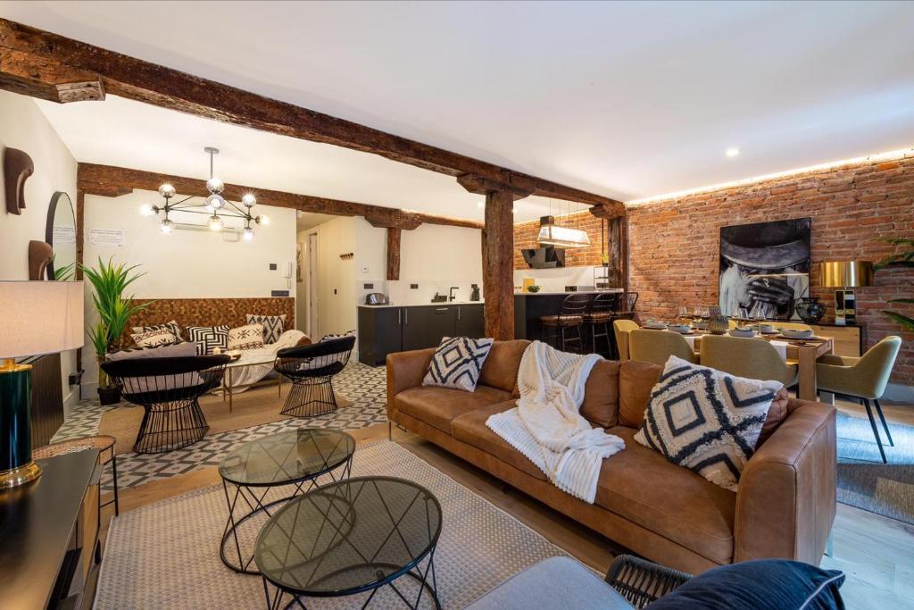 A seating area at Espacioso apartamento moderno recién reformado by S@H!