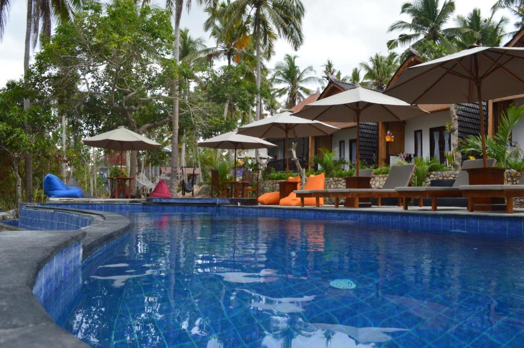 The swimming pool at or close to Meket Bungalows