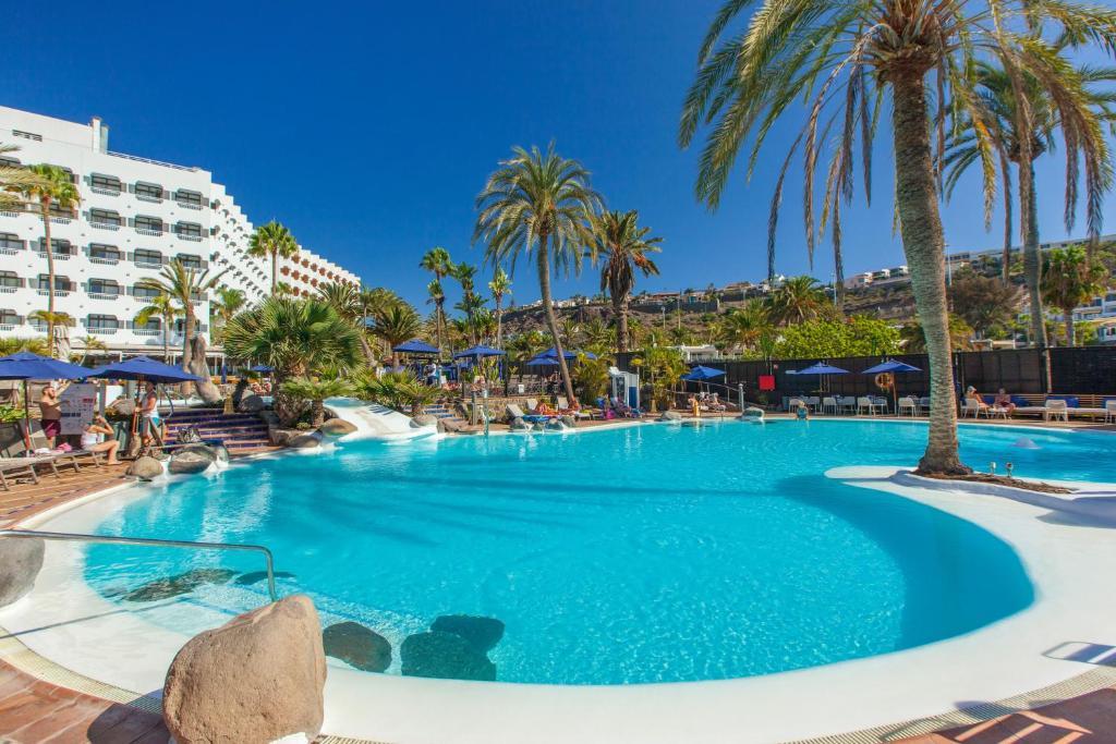 Het zwembad bij of vlak bij Corallium Beach by Lopesan Hotels
