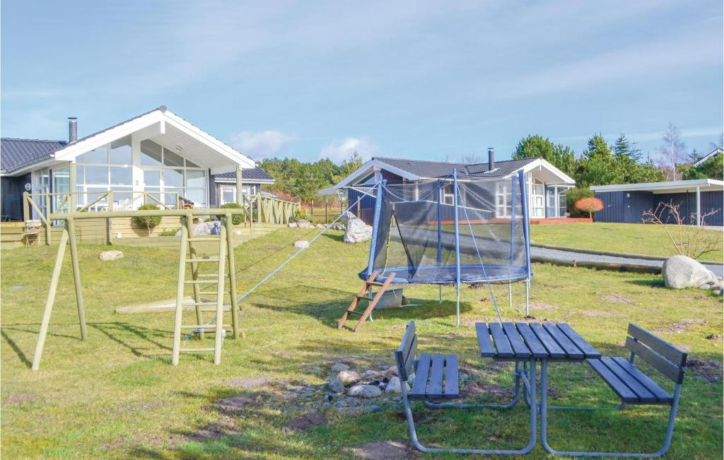 Four-Bedroom Holiday home Ebeltoft with Sea View 04
