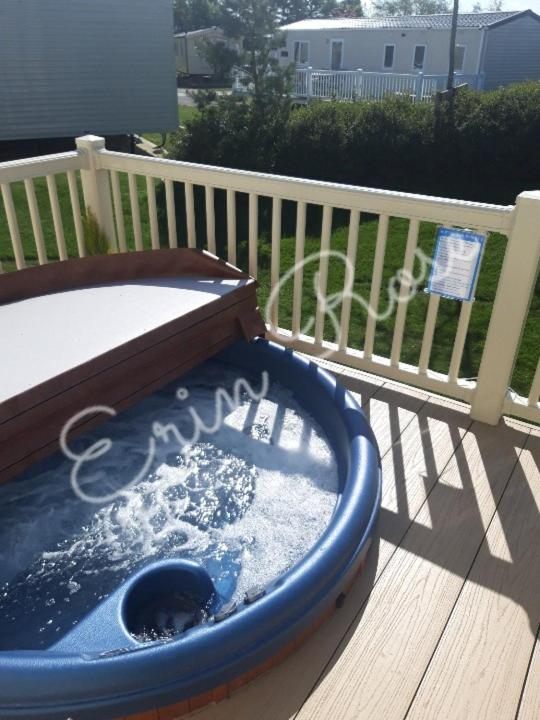 Hot Tub Stay At Misty Bay