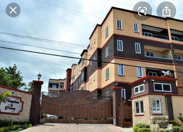 Unit 4, 16 Fairway Avenue, luxury corporate accommodation