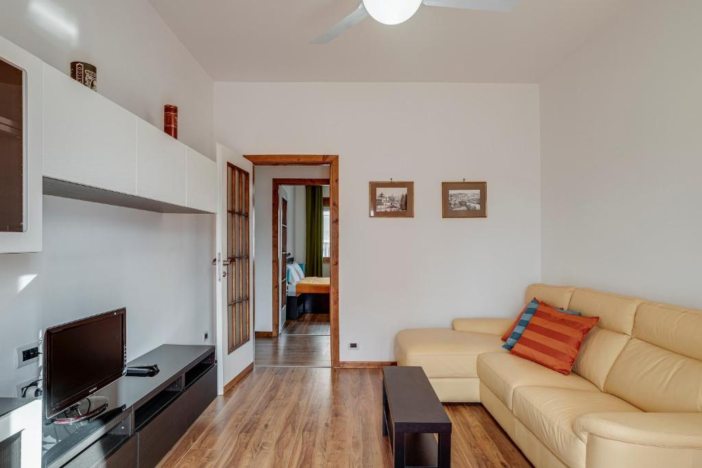 Ampio e luminoso appartamento in zona residenziale, Sesto ...