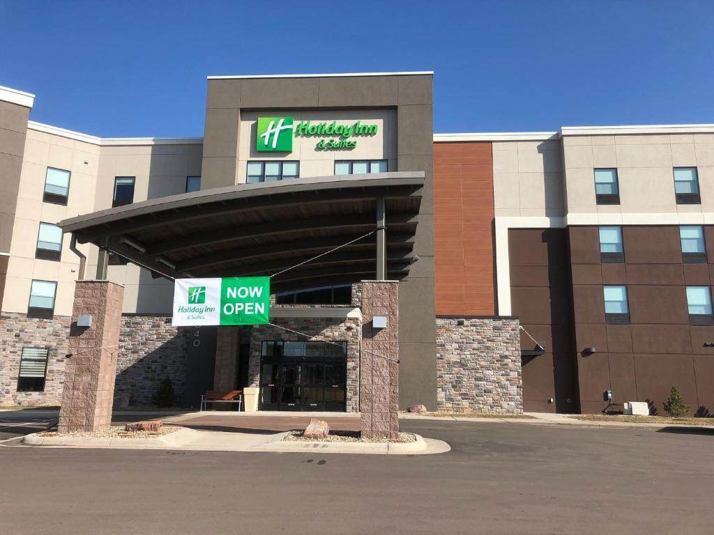Holiday Inn Hotel & Suites Sioux Falls - Airport.