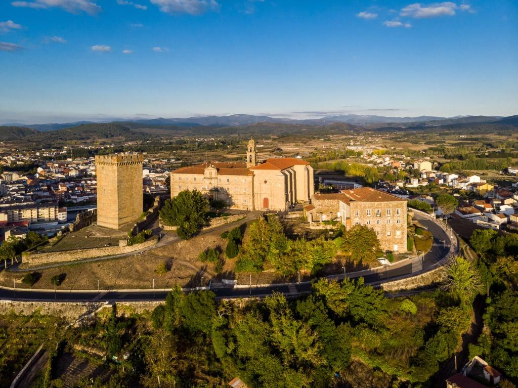 A bird's-eye view of Parador de Monforte de Lemos