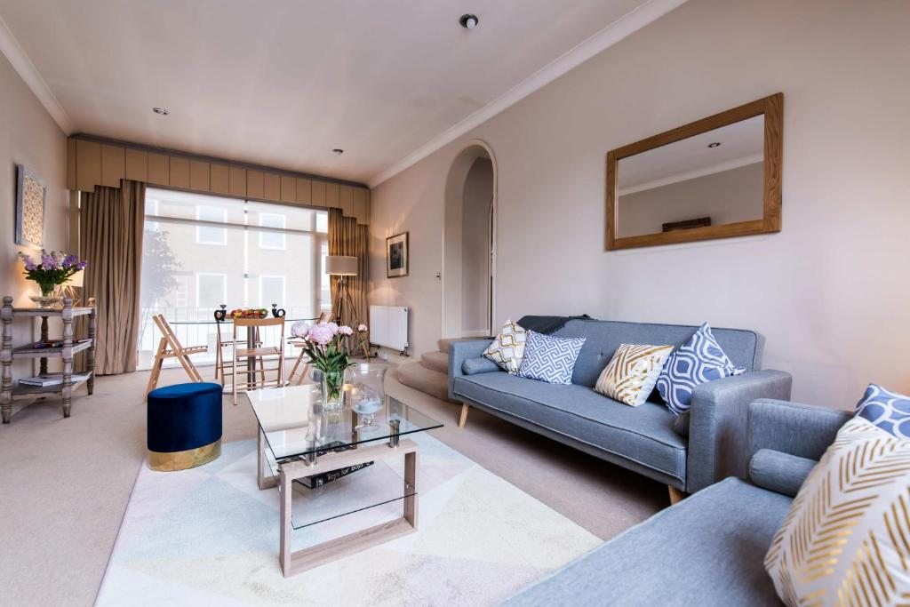 Cheval Place · Exquisite Apt, Knightsbridge, 5 Min To Harrods