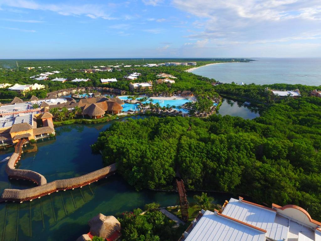 A bird's-eye view of Grand Palladium White Sand Resort & Spa - All Inclusive