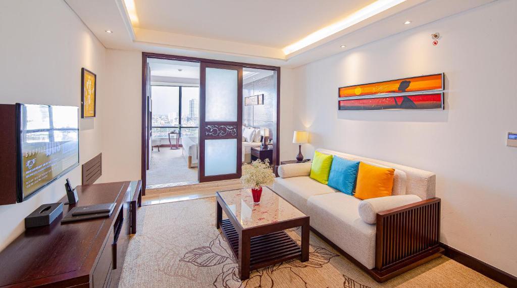 Phòng kiểu Suite Grand Giường Đôi Nhìn ra Sông