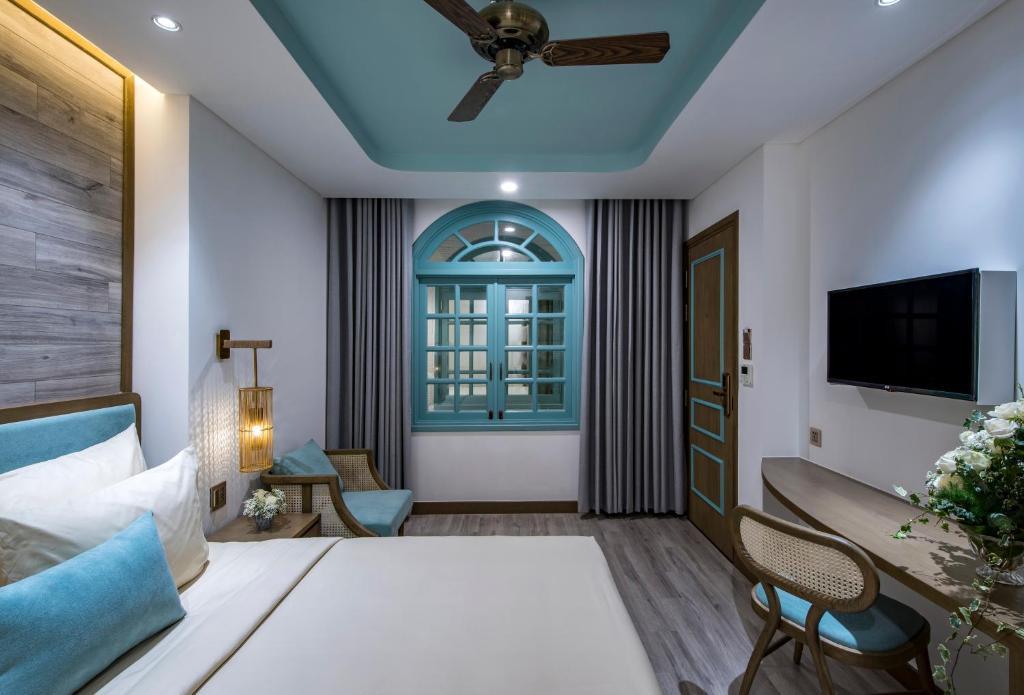 Phòng Deluxe Giường Đôi (Cửa Sổ Bên Trong)