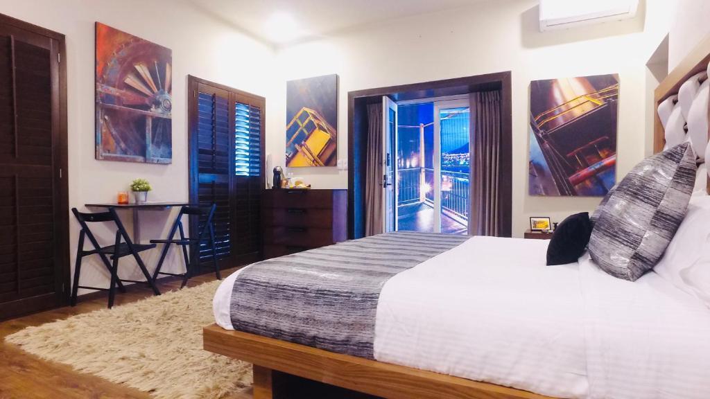 A room at ANTIGUA SANTA LUCIA MTY