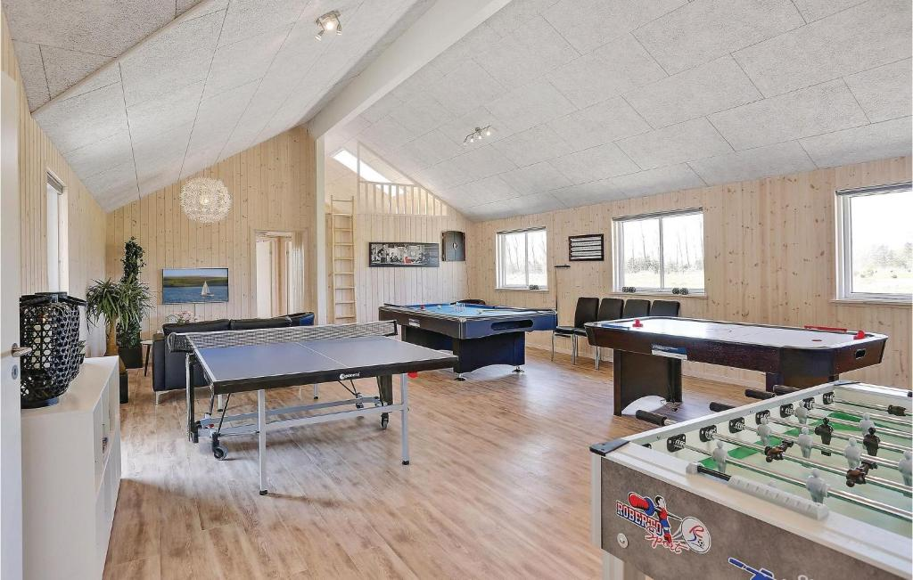 Eight-Bedroom Holiday home Væggerløse with a room Hot Tub 05
