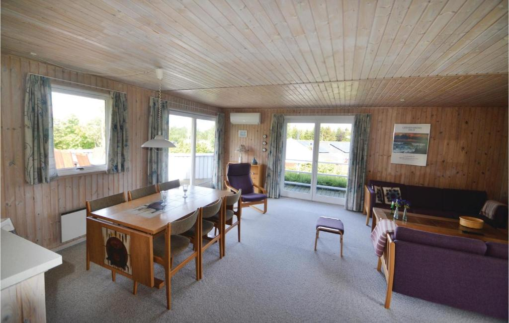 Four-Bedroom Holiday home Glesborg 0 09