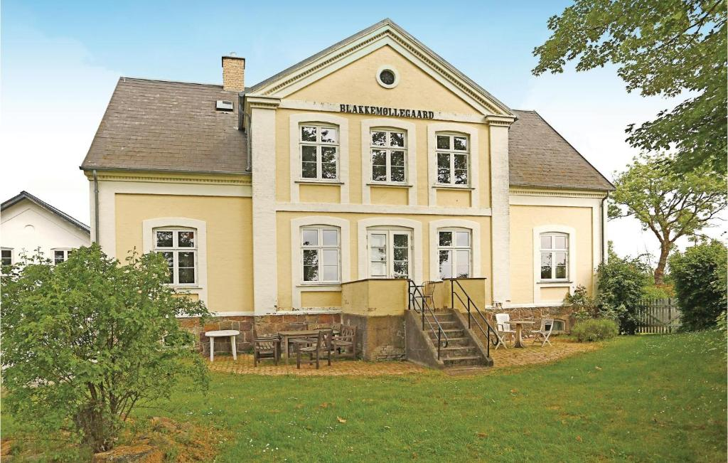 Blakke Møllegaard