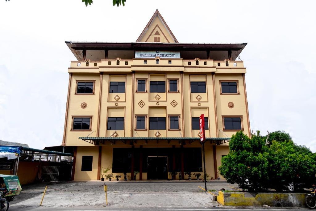 Hotel Oyo 1364 Pondok Wisata Istana Xi Medan Indonesia