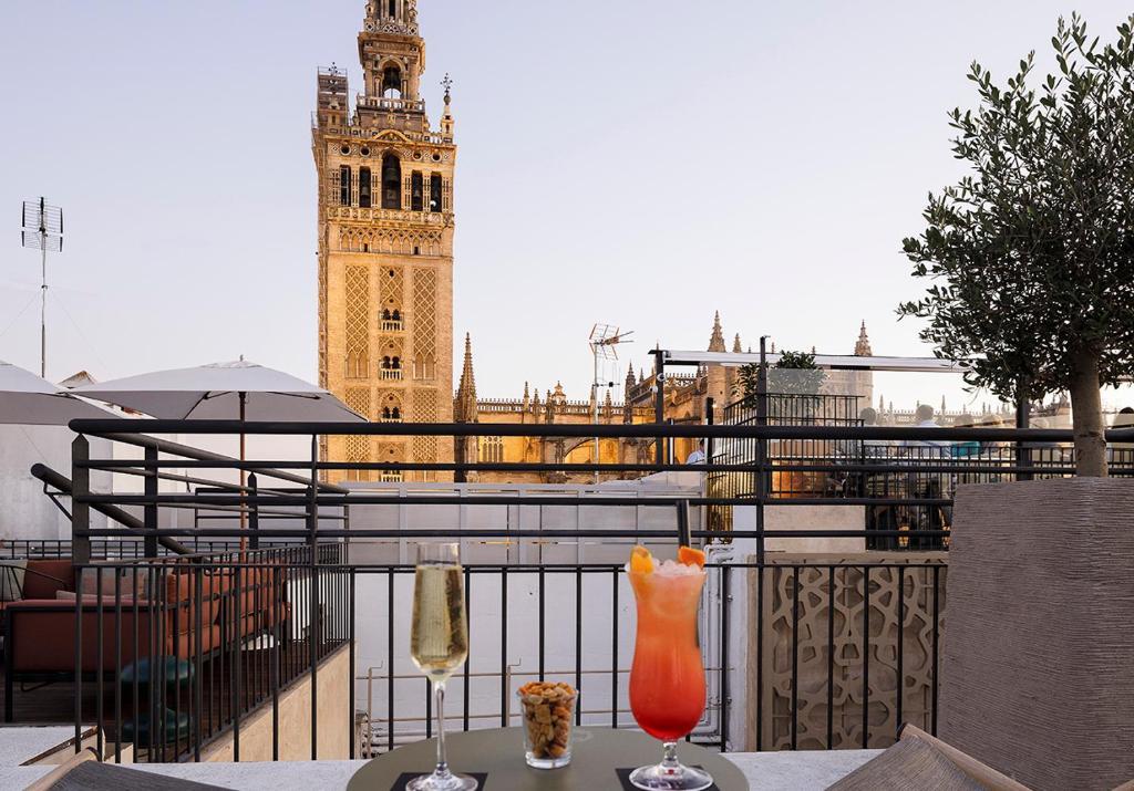 Eme Catedral Hotel Seville Más Posadas