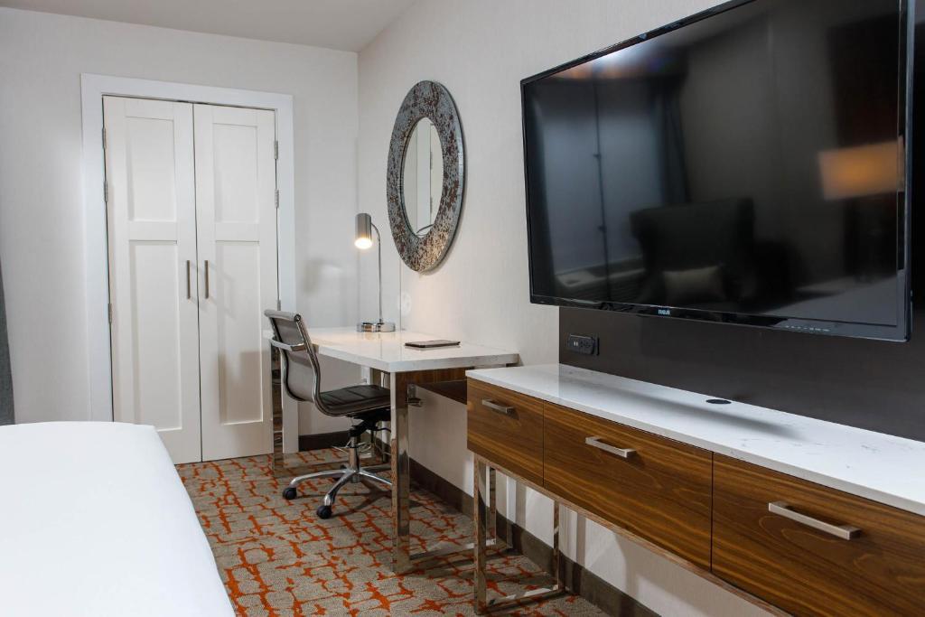 Hotel Doubletree By Hilton Appleton Wi Wi Booking Com