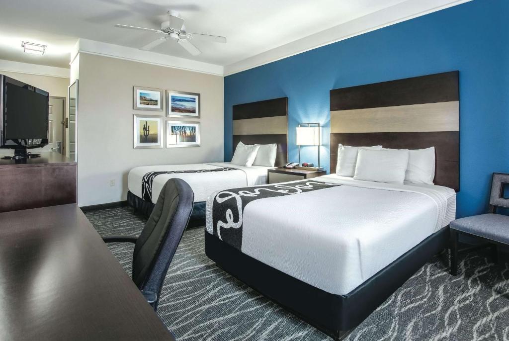 La Quinta Inn & Suites Phoenix I-10 West