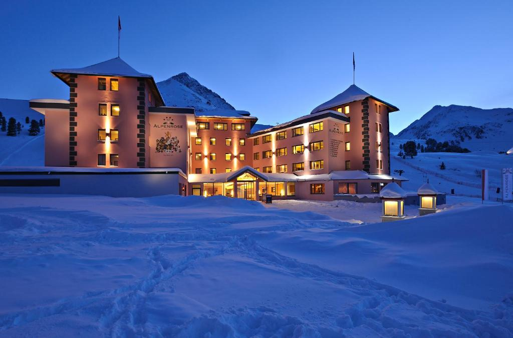 Hotel Alpenrose aktiv & sport during the winter