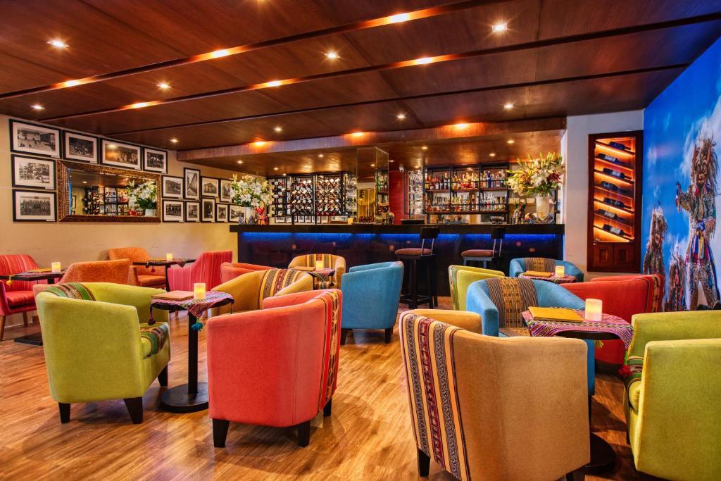 El salón o zona de bar de Xima Exclusive Cusco